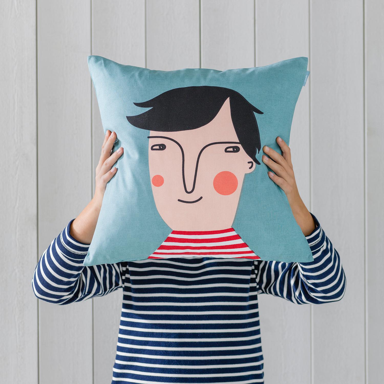 https://www.thegoodlifestore.de/wp-content/uploads/2020/04/Cushion-Cover-Hakan-1.jpg